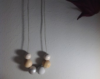 Wood necklace with clasp