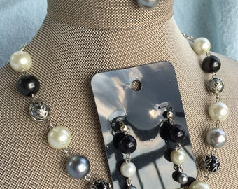 Black, white, and silver Pearl Jewelry Set