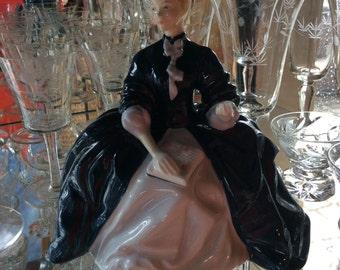Vintage Doulton porcelain figurine HN2719 Laurianne designed by Tootle