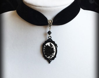 Black Rose Choker, Black Velvet Gothic Victorian Choker Necklace, Black and White Rose Cameo, Romantic Valentine Gift For Her, Goth Jewelry