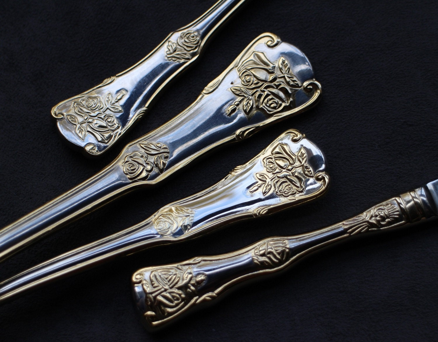 4pcs Royal Albert Old Country Roses Gold Accent Flatware