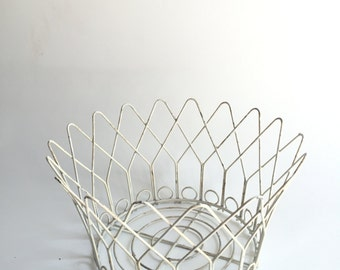Versatile white 1963 metal basket