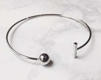 Tbar pattern bracelet