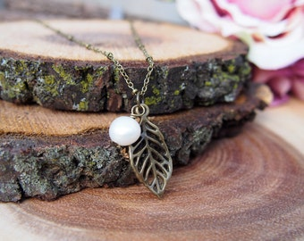 Leaf Vein Freshwater Pearl Necklace