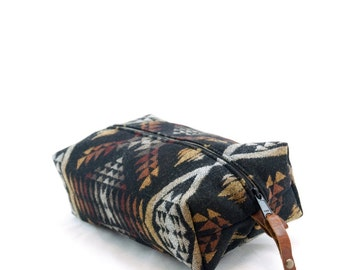 Large Dopp Bag in Diamond River Print Wool