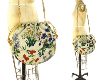 70s Printed Linen Purse / Vintage 1970s Hippie Bucket Bag / Carpetbags of America Boho Drawstring Shoulder Bag / Summer Hobo Tote