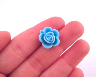 10 15mm baby blue cabochons, cute round flower cabs