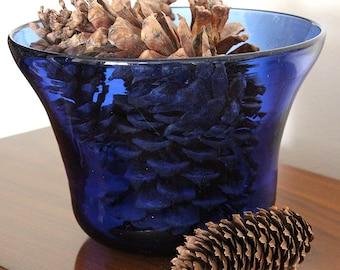 Cobalt Blue Hand-Blown Vintage Art Glass Bowl Signed by American Artist Eric Kvarnes OOAK Collectible