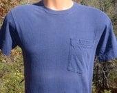 vintage 80s t-shirt plain blank POCKET tee soft thin navy blue Medium Small fruit of the loom