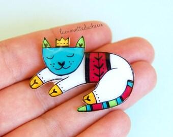 Cat brooch, sleeping cat, animal jewelry, cute cat illustrated jewerly