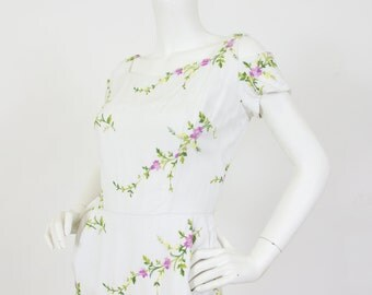 Kramer Original 1950's Vintage White Linen Floral Embroidered Cut-Out Shoulder Dress Sz XS S