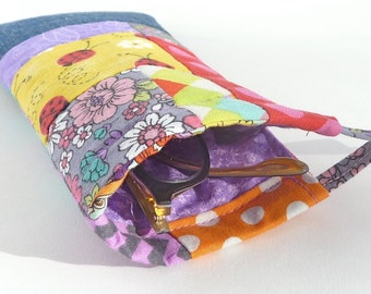 fabric eyeglass case. pink green scrap patchwork sunglasses drawstring bag. padded glasses pouch