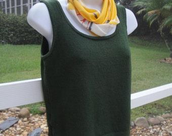 Vintage St John Santana Knit Darkest Forest Green classic round neckline Tank, Waist length with side slits, Sz Petite, Bonus Vera scarf