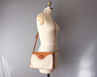 vintage dooney bourke purse / white british tan purse / pebbled leather purse