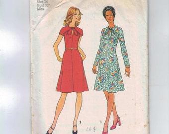 1970s Vintage Sewing Pattern Simplicity 6934 Misses Keyhole Necklin Dress Size 14 Bust 36 1975 70s