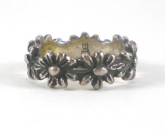 Sterling Silver Flower Band Ring - Vintage Avery Designer Jewelry - Size 5