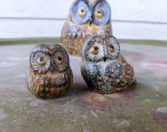 Stoneware Owl Figurines OMC Japan Speckled Earthtone Mother Owl & 2 Baby Owlet 1960/70's Era Retro Home Decor Classic MINT