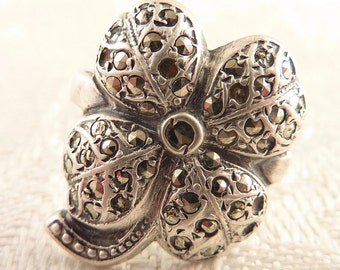 Antique Size 4.5 Victorian Sterling and Marcasite Deco Four Leaf Clover Ring