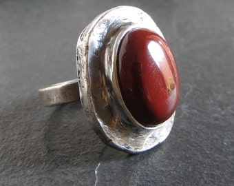 Rustic sterling silver ring with red snake skin jasper // size 7 / statement ring / red stone ring / jasper ring / chunky ring / boho ring