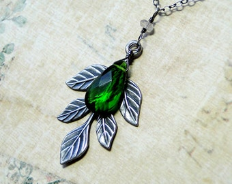 Emerald Green Quartz Necklace, Leaf Necklace on Oxidized Sterling Silver - Greenwood by CircesHouse on Etsy
