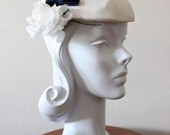 1950s Hat / Vintage White Flower Tilt Hat / Bridal Fascinator