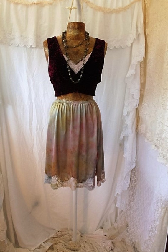 Small/medium Tie Dye Skirt/Ice Dyed Vintage Skirt/Upcycled Clothing/Hippie Tie Dye Skirt/Tie Dye Lace Skirt/Upcycled Skirt/French Fairy