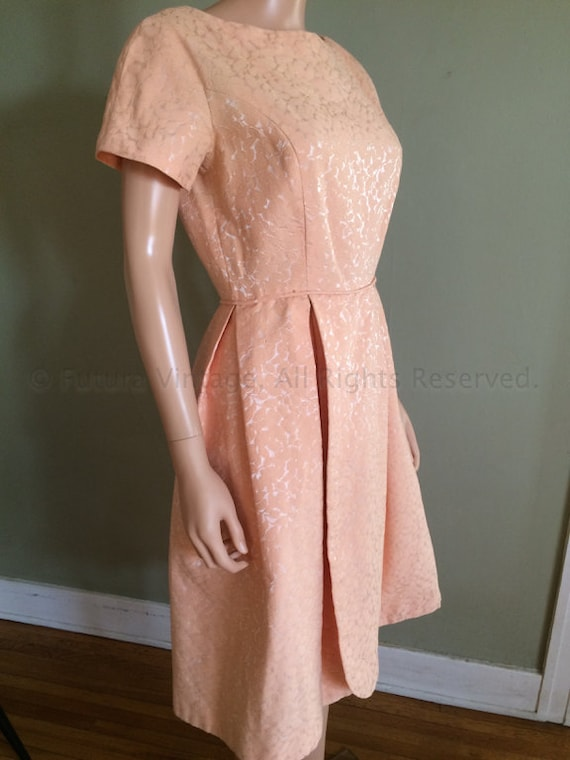1950s Peach Party Lace Dress with Pedal Skirt S M