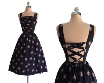 Vintage 1970s does 1950s Lanz Originals Floral Print Cotton Criss Crossed Back Full Skirt Dress S