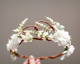 Woodland bridal hair wreath, white flower crown, floral wedding headpiece, flower circlet, hair accessories