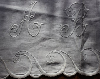 Show Towel Table Runner Embroidery Monogrammed ABW White Work OLD VINTAGE by Plantdreaming