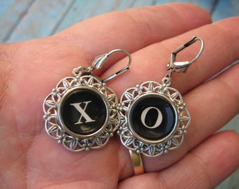 Typewriter Key Earrings -  X and O - Hugs and Kisses No E423