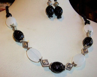 "Black and White Agate and Silver 18-20"" Necklace and Earring Set   Free shipping in USA"