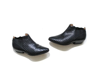 Vintage Chelsea Boots 6 / Black Leather Ankle Boots / Woven Leather Booties