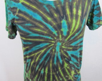 Size Large Shibori Spiral Turquoise and Bright Green Scoop Neck T-shirt