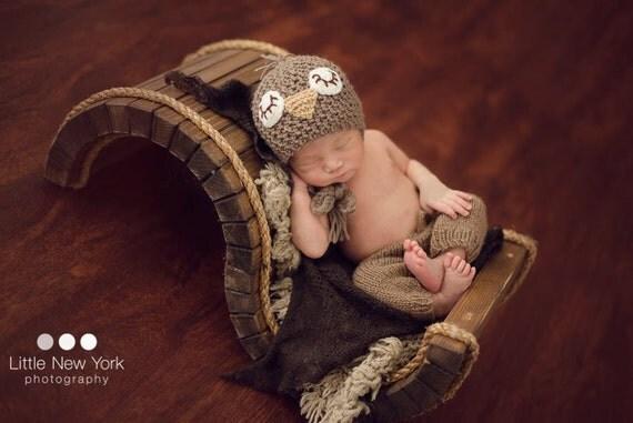 15% OFF    Newborn photo prop, newborn hat, newborn boy, newborn girl, knit newborn hat, newborn props, Sleepy birdie hat in newborn size