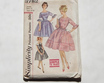 Vintage Pattern Simplicity Sewing 3782 Junior One Piece Dress 60's Mid Century Fashion Size 11 Bust 31 1/2