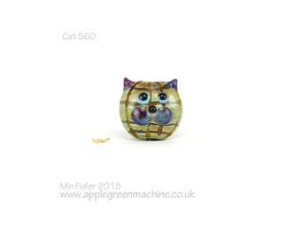 Lampwork glass cat bead 560