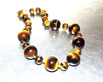 vintage tiger's eye necklace - 1930s-40s tiger eye bead necklace w/ gold clasp