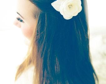 Bridal hair flower, Flower fascinator, Flower hair piece, Lace hair piece, Bridal hair pin