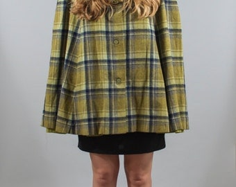 Vintage 1960s 60s Green Plaid Cape Hooded