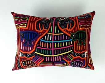 Mola from Panama Pillow, Kuna Indian Mola, Panama Mola, Mola Animal Pillow, Hand Sewn Mola, Abstract Art Pillow