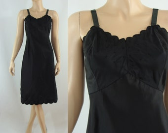 Vintage Fifties Slip - 1950s Black Embroidered Slip - 50s Scalloped Slip with Metal Zipper