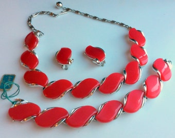 Classic Lisner Red Thermoset - Necklace, Bracelet and Earrings