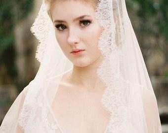 Wedding Veil, Lace Veil, French Lace Wedding Veil, Bridal Veil, Chantilly Lace Veil