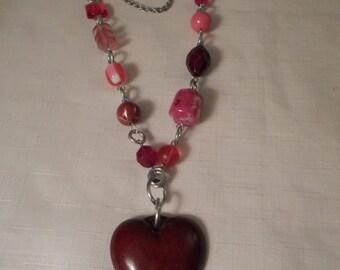 HEART NECKLACE / Red / Pink / Choker / Pendant / Lucite / Art Moderne / Modernist / Retro / Chunky / Hip / Mod / OOAK / Artisan / Accessory