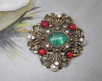 Vintage S.A. Green Cabochon Convertible Brooch - Pendant    V