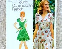 Vintage sewing pattern Simplicity 5562 dress collar 1970s Junior Petite Bust 33.5 Mini Skirt tie back