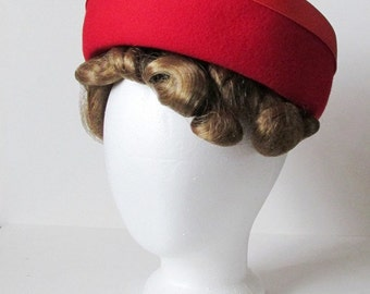 Classy Vintage Red Wool Felt Hat with Satin Ribbon Bow Starfire Henry Pollak