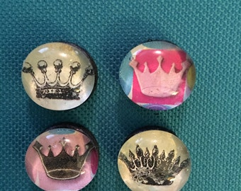 Queenly Glass Magnets
