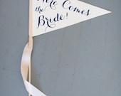 Here Comes The Bride Sign - Large Pennant Flag Wedding Banner | Flower Girl Flag Ring Bearer Ceremony Banner Page Boy Sign | Modern Script